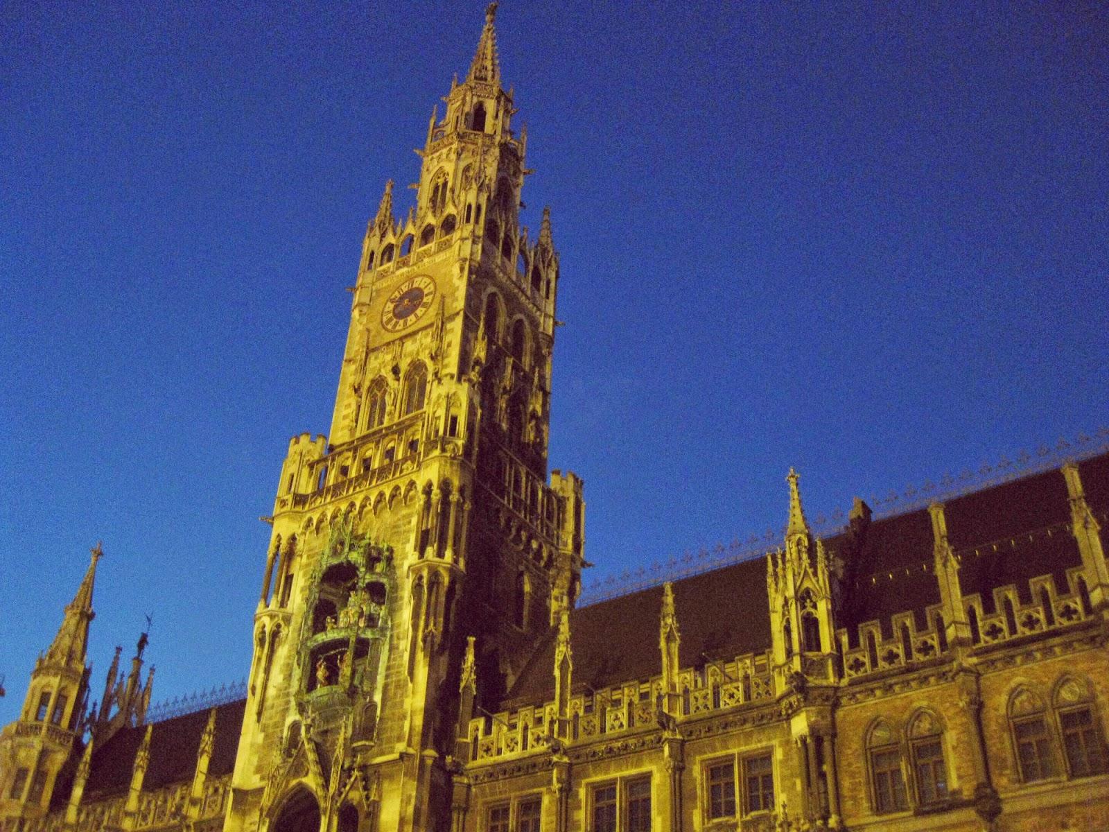 Munich Rathaus at night