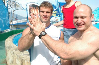 denis cyplenkov hands - photo #10