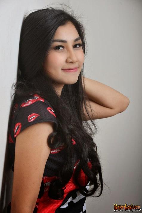 Foto Nisya Ahmad yang Cantik Banget