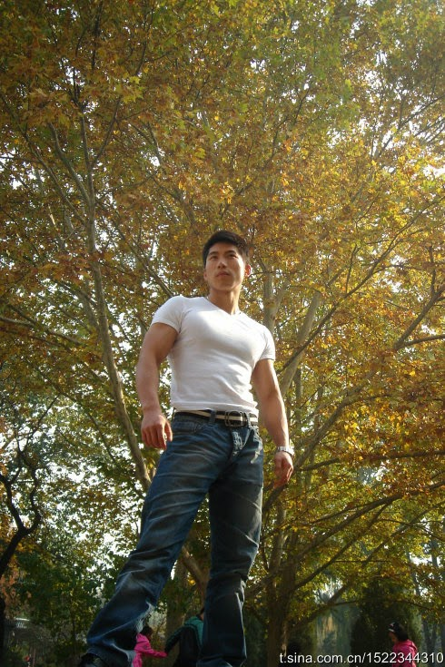 http://gayasiancollection.com/hot-asian-hunks-hot-beijing-trainer-ren-jia-lian/