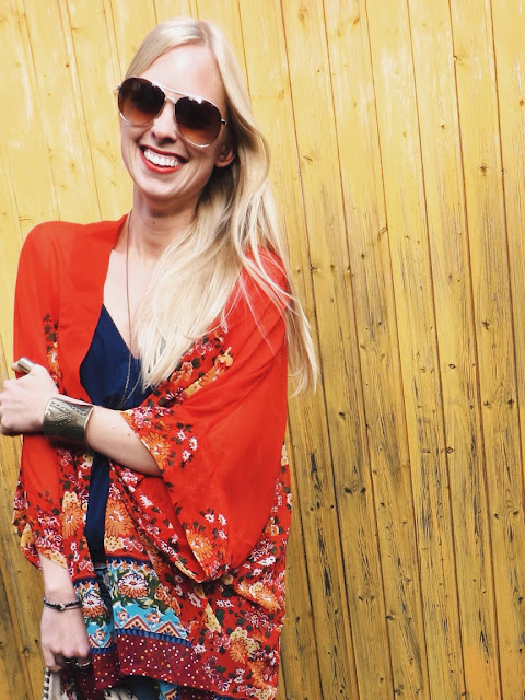 Wholesale Buying red floral kimono, Choies navy blue tank, The Quarrier blue stone pendant, Chicnova beige fringe bag, hippie outfit, boho outfit, bohemian outfit