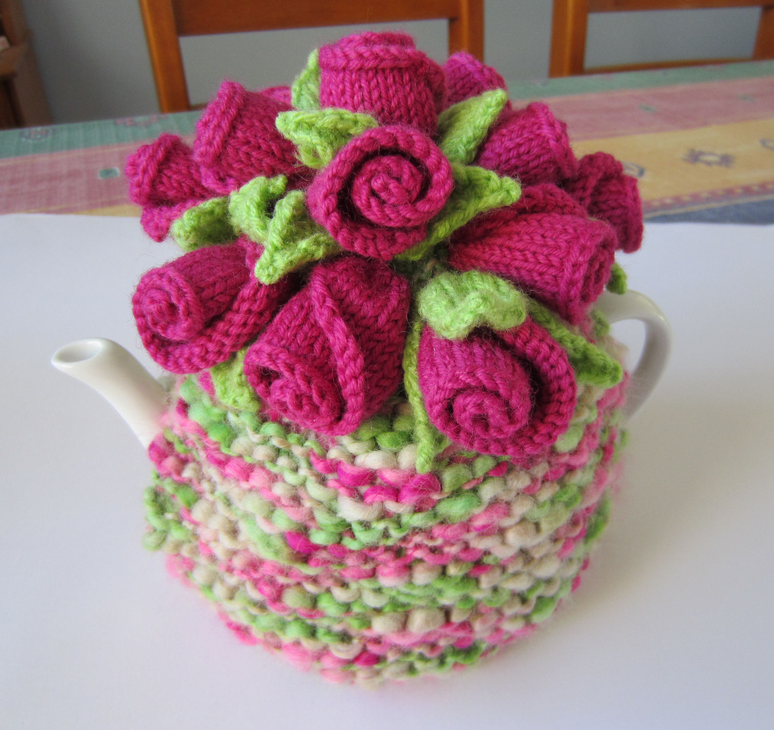 tea cosy template - justjen knits stitches rosebuds tea cosy