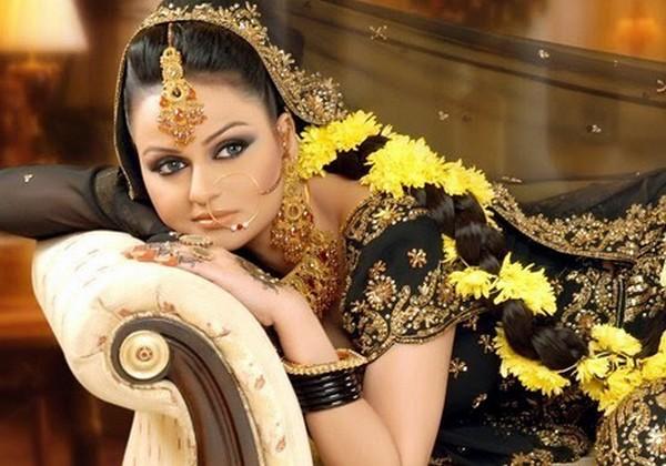 I Mehndi Hairstyles Dailymotion : Paki fashion hair styles for mehndi bride