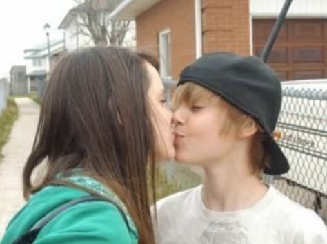 Justin Bieber Real Cell Phone Number on Never Say Never  Justin Bieber   S Girlfriend