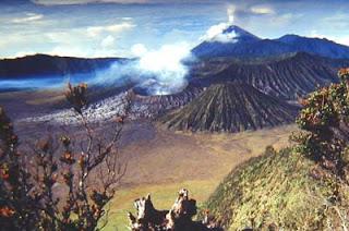 Daftar Gunung - Gunung Indonesia