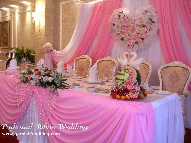 wedding head table decoration with fruits