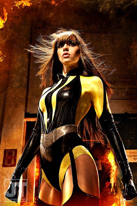 ariana barouk as silk spectre les femme fatales cosplay