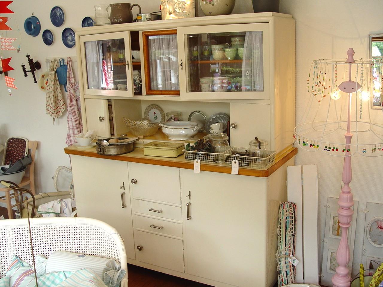 Sallys zuhause neuer schrank - Schrank dekorieren ...
