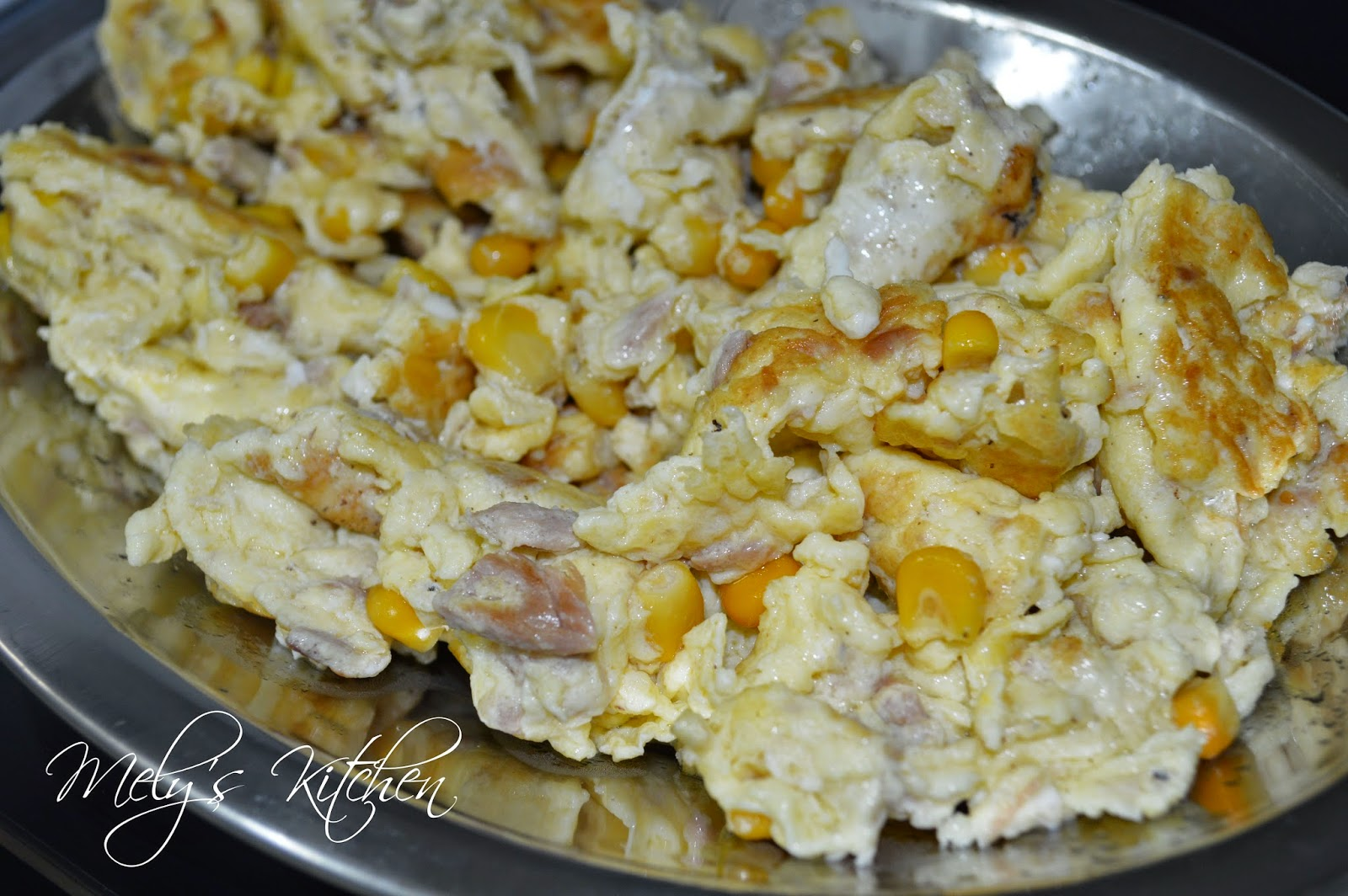 Mely 39 s kitchen scrambled egg with corn and tuna flakes for Tuna and egg sandwich