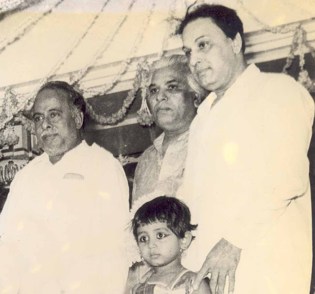 MGR with his Brother Chakrapani & Anna Durai