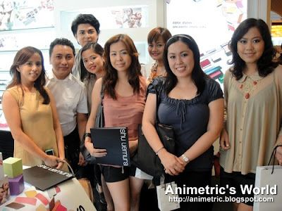 Photo opp with make-up artists and bloggers
