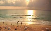 Bermimpi di Pantai Dreamland