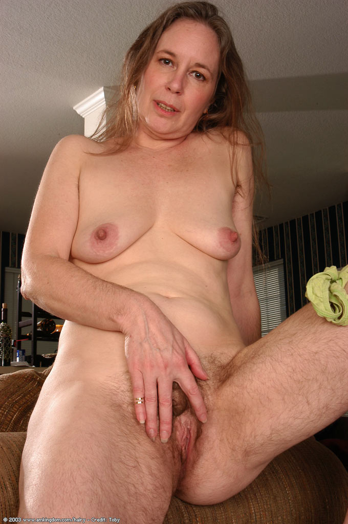 nude old hairy women