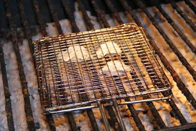 cocochas en la brasa de restaurante ELKANO. Blog Esteban Capdevila