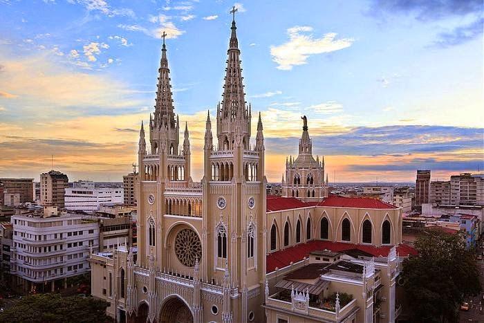 Iglesias de estilo g tico en el ecuador catedral for Ministerios del ecuador
