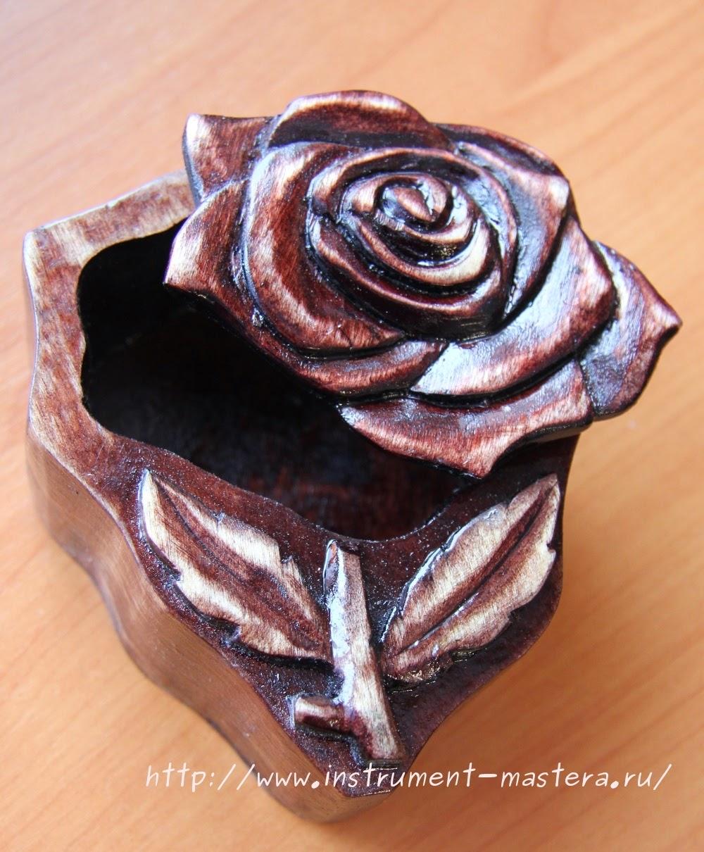 Шкатулка деревянная резная