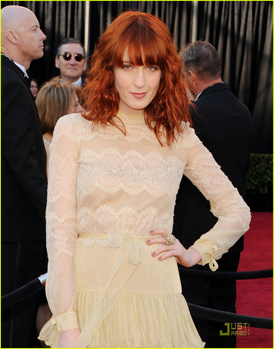 Florence Welch Medium Hairstyles