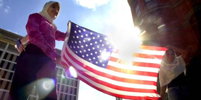 Muslim amerika berbagi al-quran