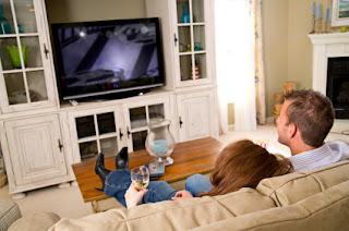 Pesquisa mostra que ver TV é a atividade preferida dos brasileiros