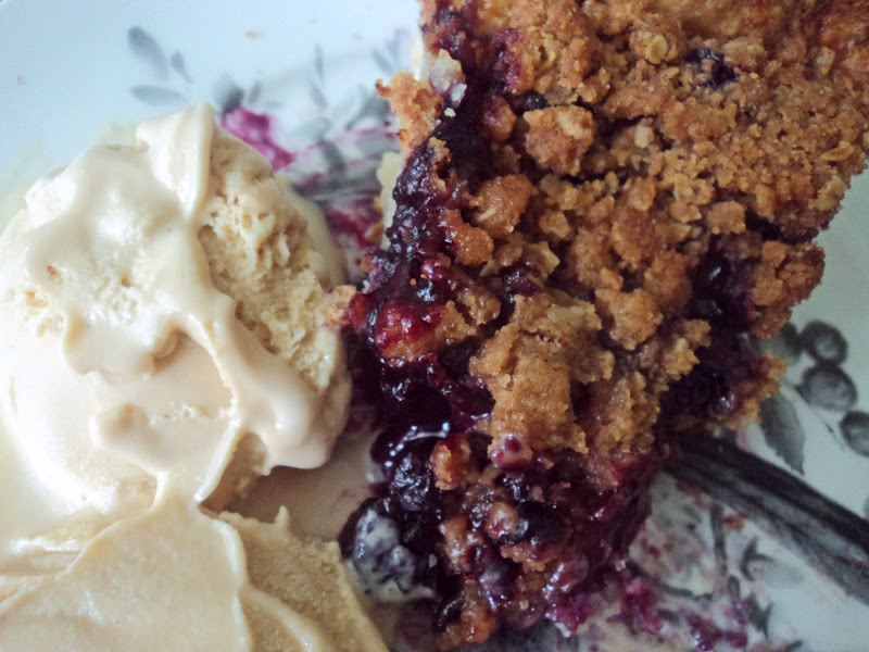 Sweet & Salty Southern Comfort: Blueberry Crumble Pie