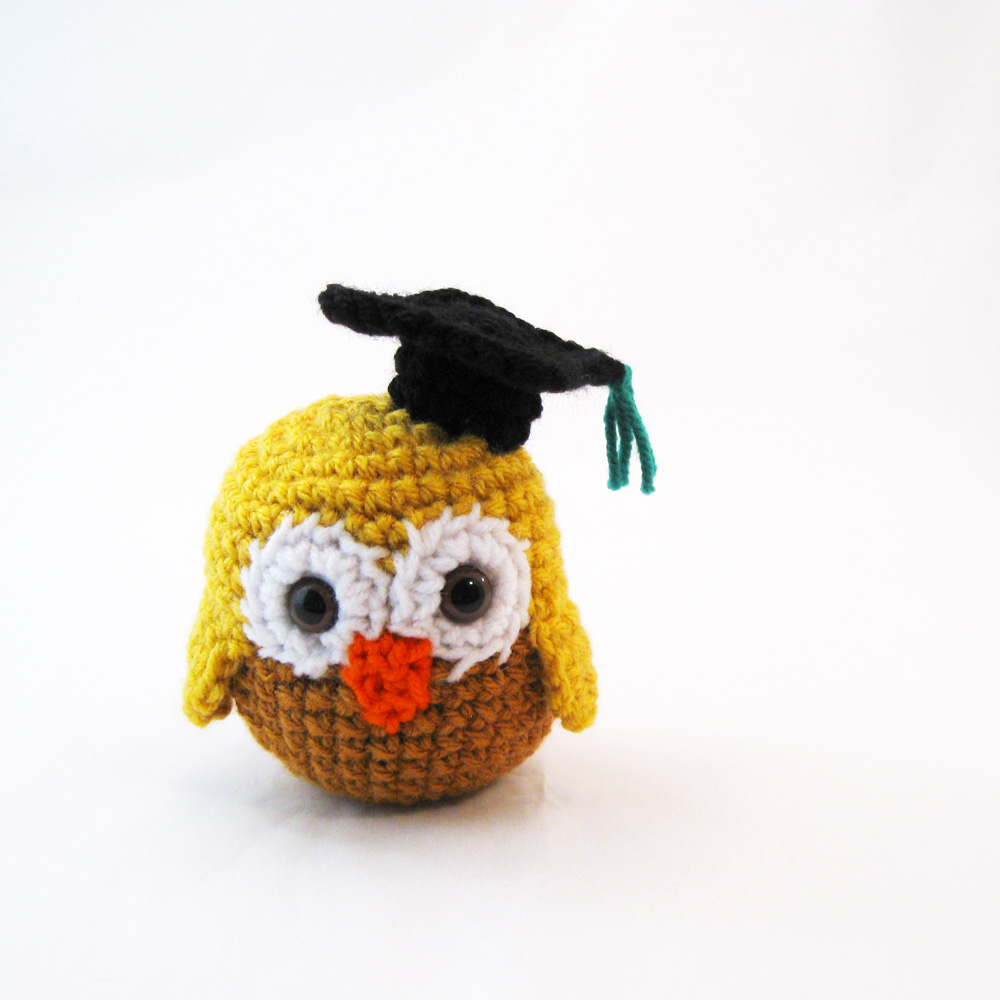 Free Amigurumi Witch crochet pattern for Halloween ~ Amigurumi