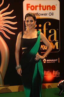 Isha Talwar in an easy to wear Stylish Black Saree at IIFA Utsavam Awards 2016