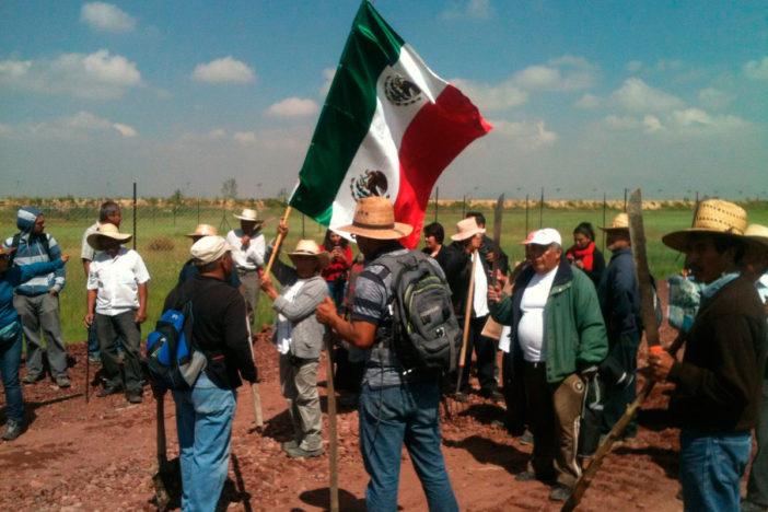 Golpean a ejidatarios que se oponen a la construcción del NAICM