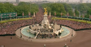 Huge Crowd at Kate Middleton  Prince William  Royal Wedding