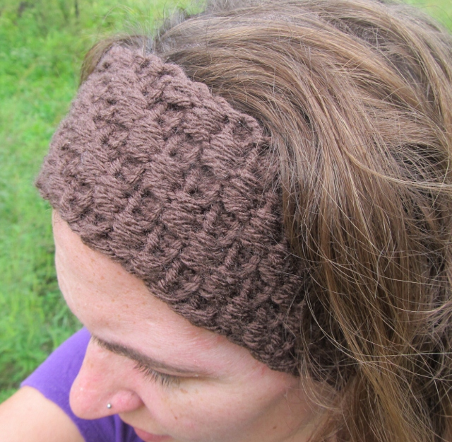 This Mama Knits: Headband/Ear-Warmer with Bumps