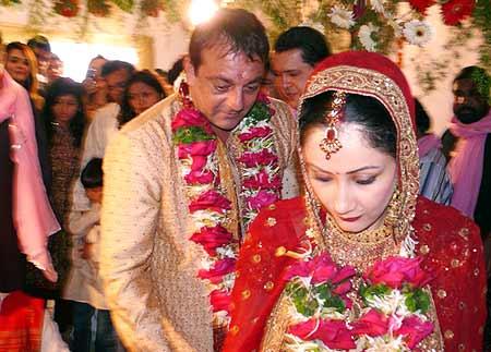 karishma kapoor wedding. Sanjay Dutt wedding