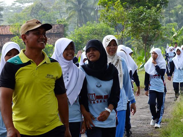 Pa Yaya Ahmad Yani,S.Pd Juga Ikut serta dalam Jalan santai Tahun 2013