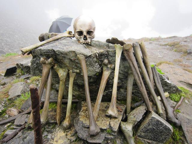 El lago de los huesos. Roopkund.