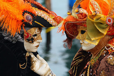 Carnival of Venice 2012, Italy-Masked Lovers- Travel Europe Guide