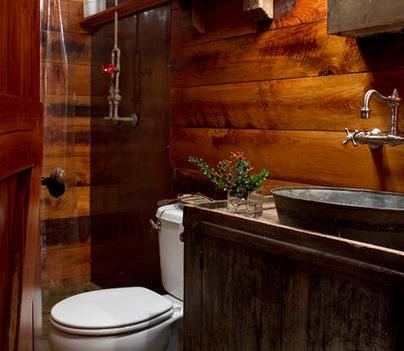 Ba os modernos ba os r sticos for Revestimiento para banos rusticos