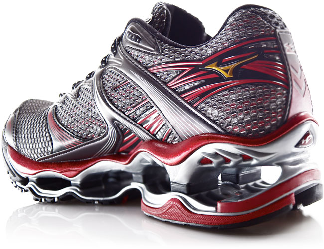 26.2 Quest: Mizuno Wave Prophecy - Cool Looking Shoes