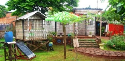 Casa ecológica La casa de botellas de plástico