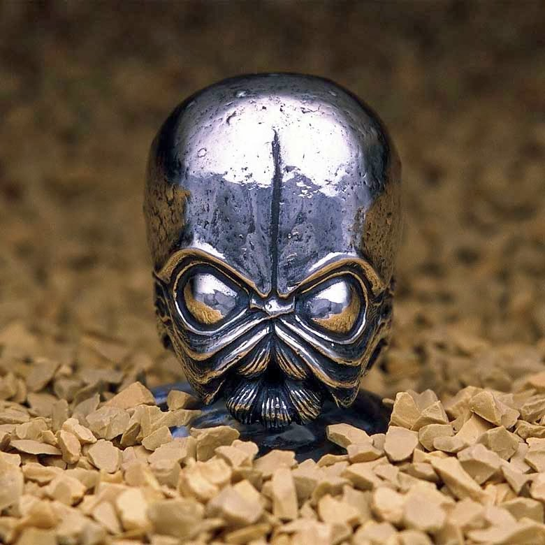 03-Bith-jap-inc-Star-Wars-Rings-Sculptures-www-designstack-co