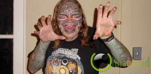 Dennis Avner  manusia Kucing