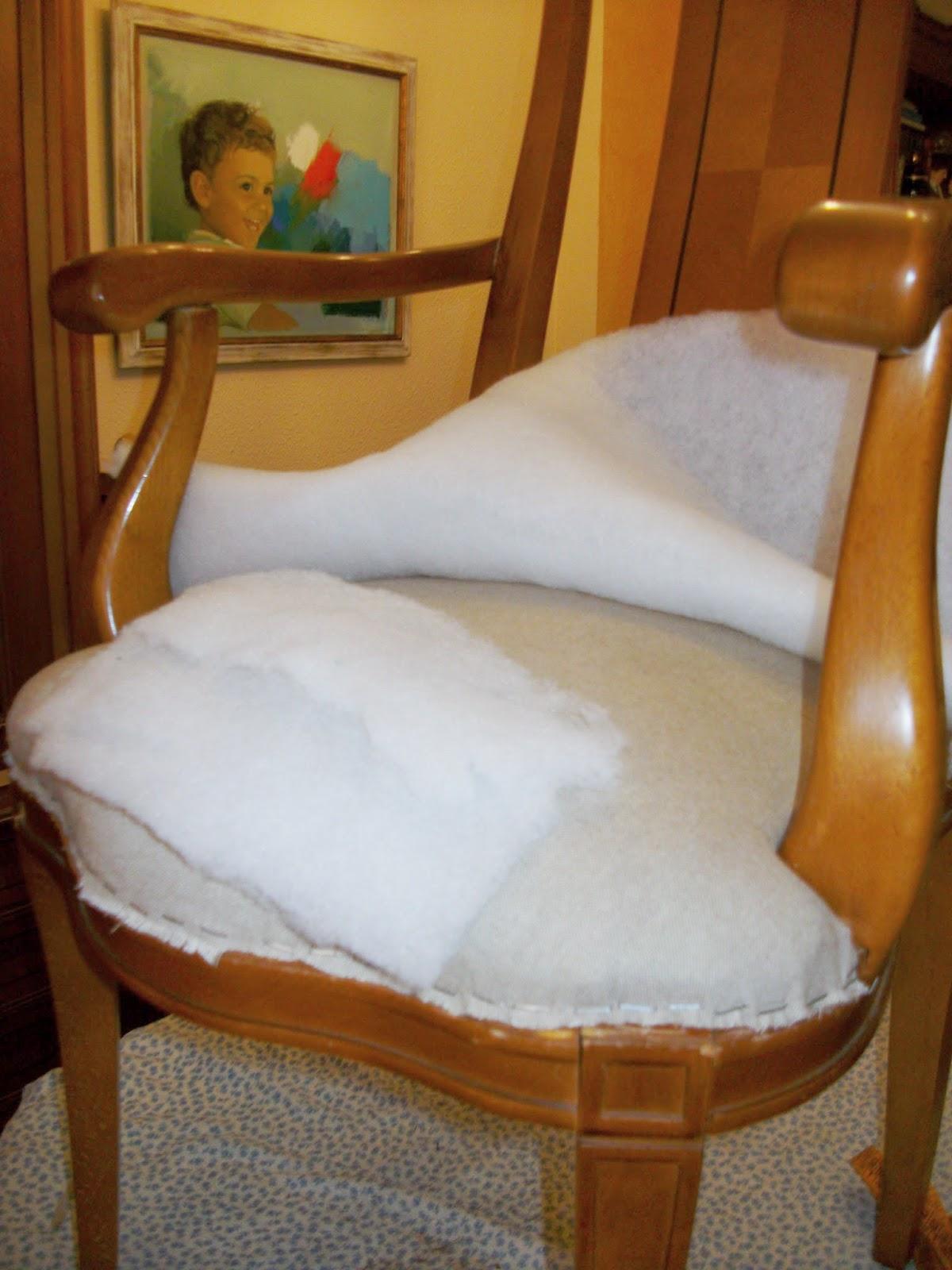 El blog de la restauradora tapizado de dos sillas de for Sillas de comedor con brazos