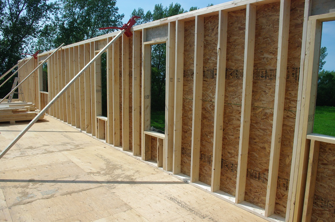 Framing An Exterior Wall. Exterior Wall Sheathing With Rigid Foam ...