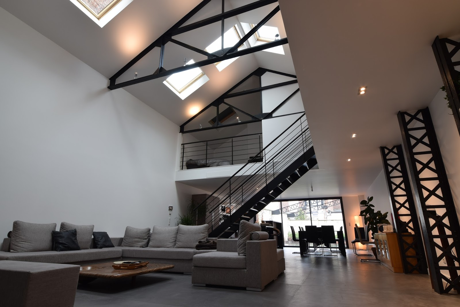 Jacques lenain architecte lille transformation d 39 un garage en loft a la - Construction d un loft ...