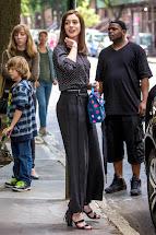 Trailer Intern Starring Anne Hathaway And Robert