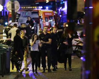 Atentado terrorista na França deixa 128 mortos e 250 feridos