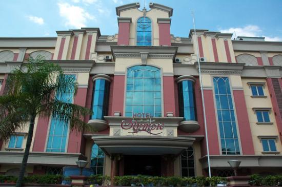 Penampakan Depan Hotel Olympic Di Mangga Besar Jakarta Barat