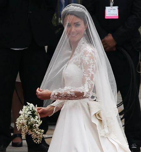 kate middleton height kate middleton wedding dress mcqueen. Kate Middleton#39;s McQueen