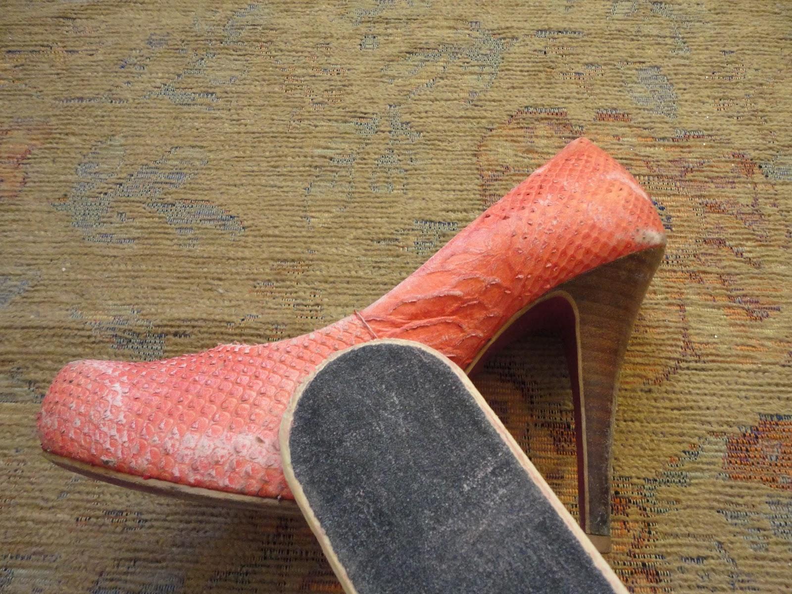 Bolsa De Couro Que Solta Tinta : Customizar sapatos