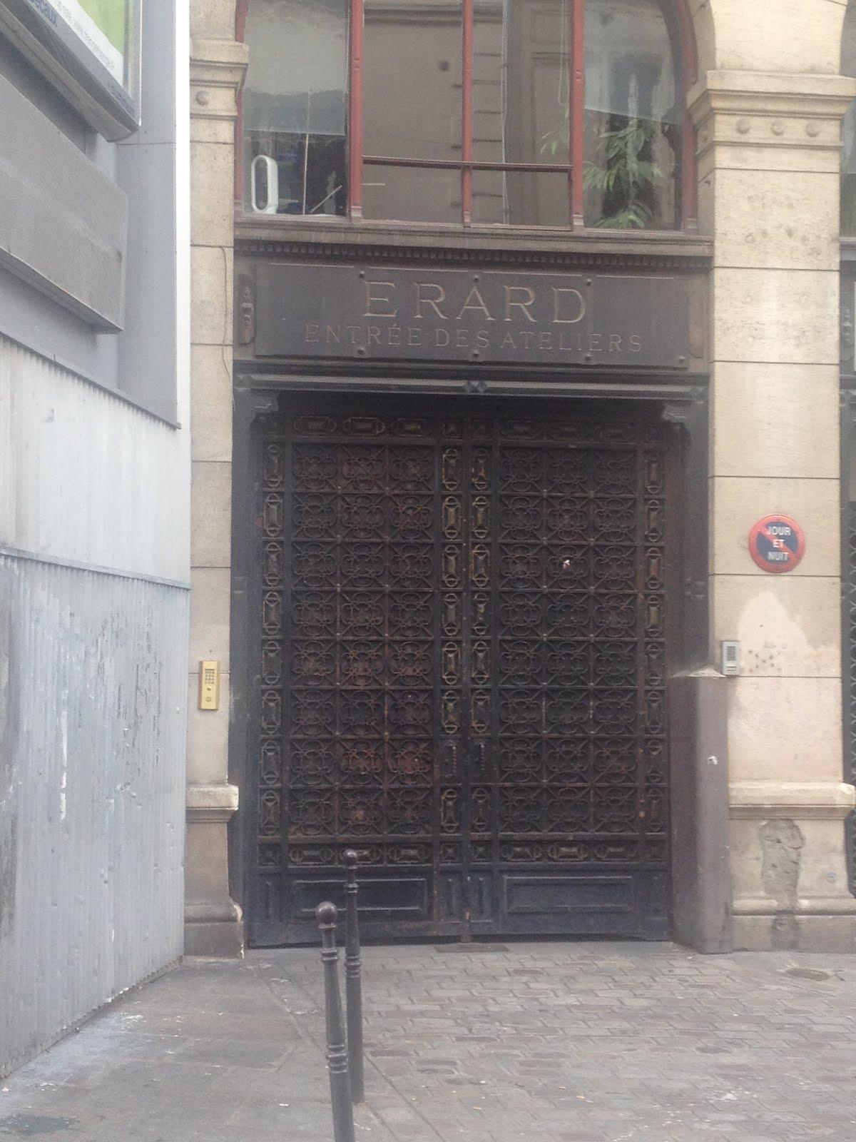 VISTA DE LA ENTRADA DE LA ANTIGUA FABRICA ERARD DE ARPAS EN PARIS, 13  RU DU MAIL
