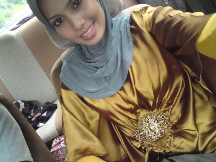 Malaysian Baju Kurung 205 by Addi