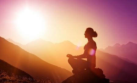 Selección de Mantras para serenar la mente y despertar el Amor incondicional