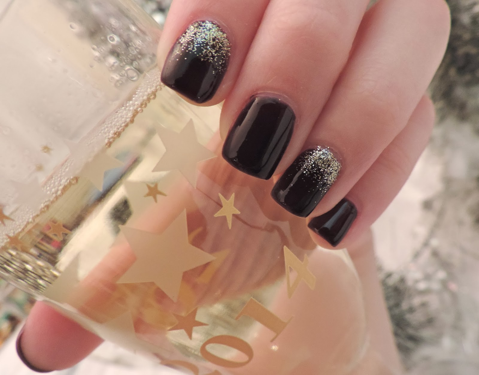 Simple Charm Beauty: Mani Mondays | Happy New Year